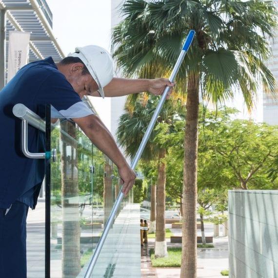 Al Fajer Facility Mangement glass cleaning
